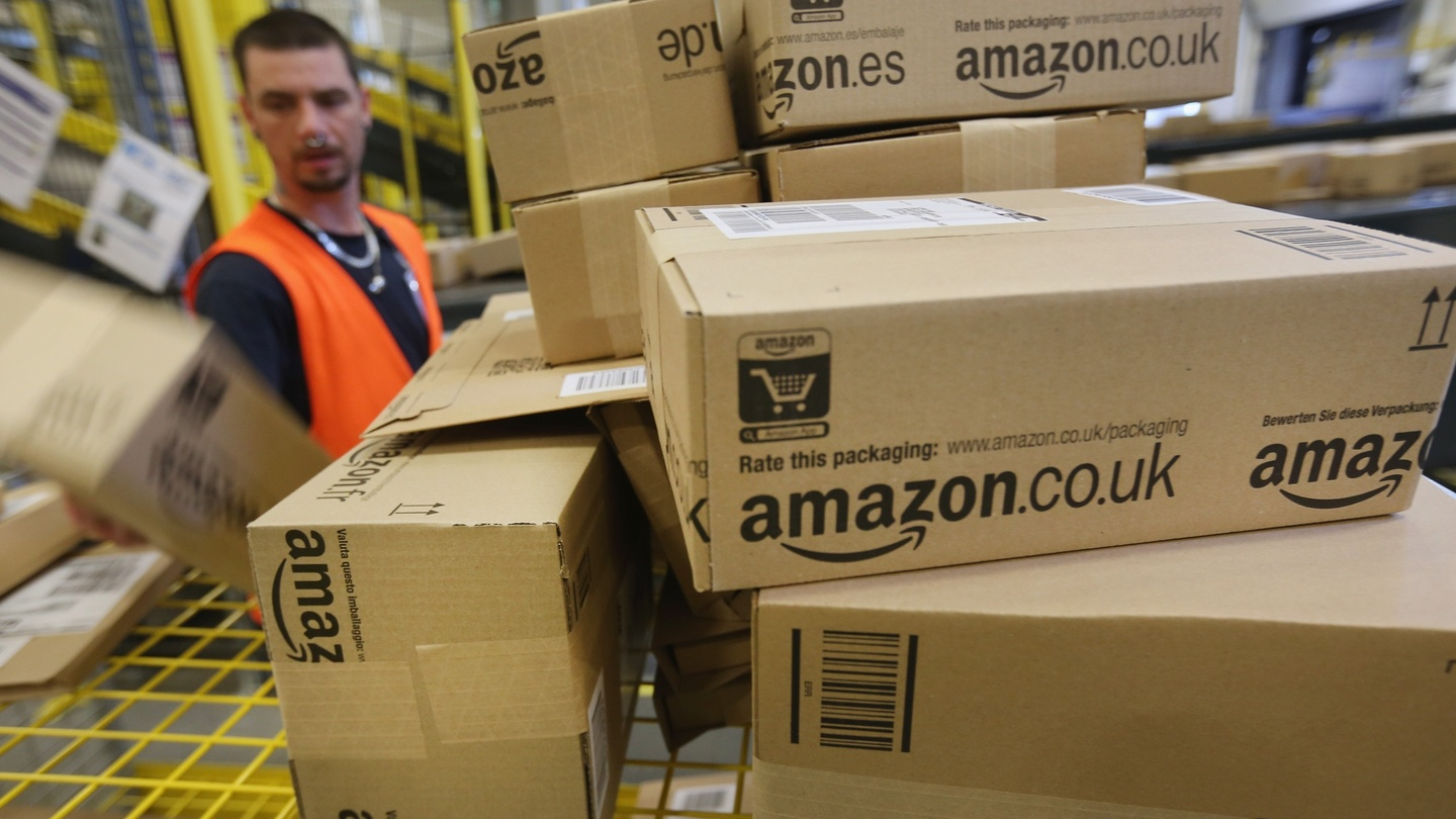 Amazon to open first warehouse in Dublin